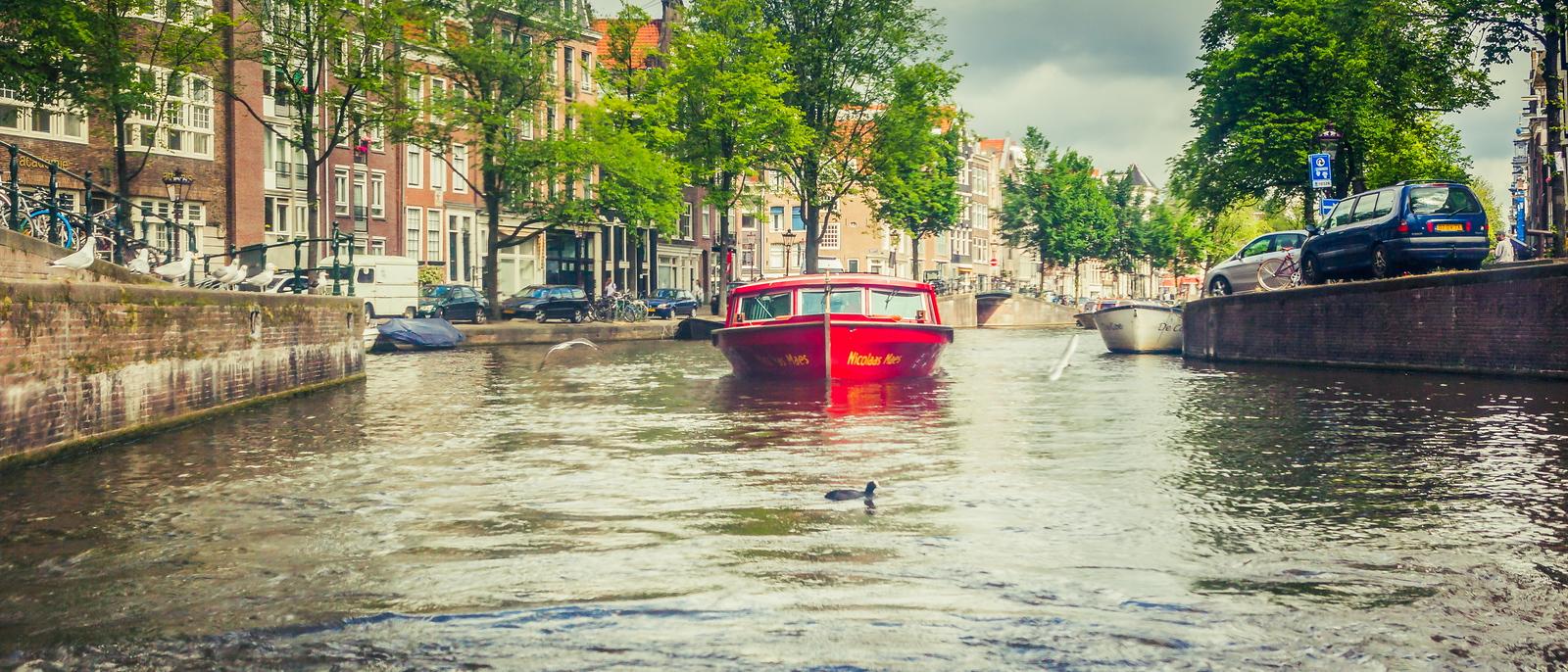 荷兰阿姆斯特丹,坐游船看老城