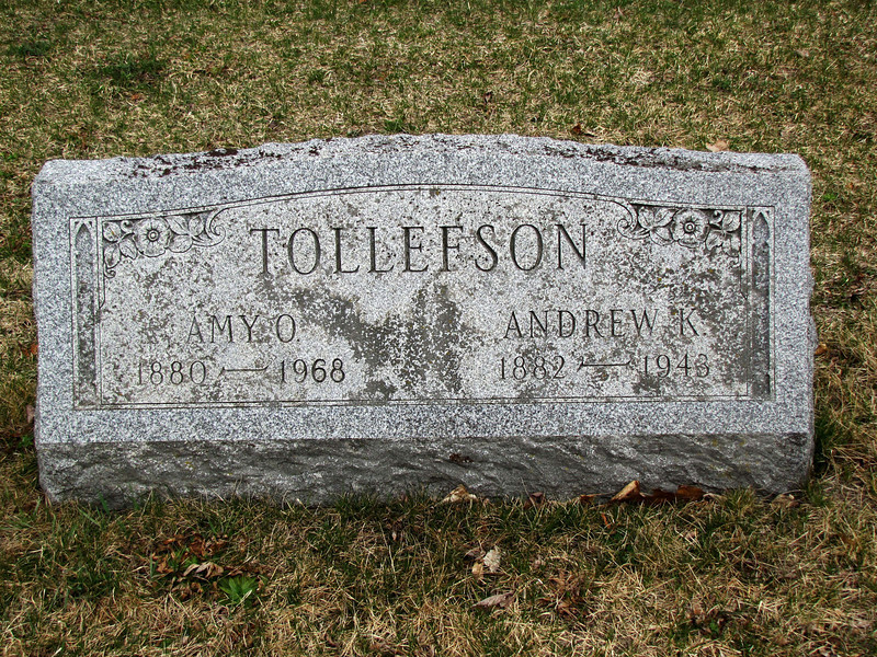 Amy_AndrewTollefson-grave.jpg