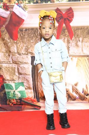 Latroyah's Christmas Portrat