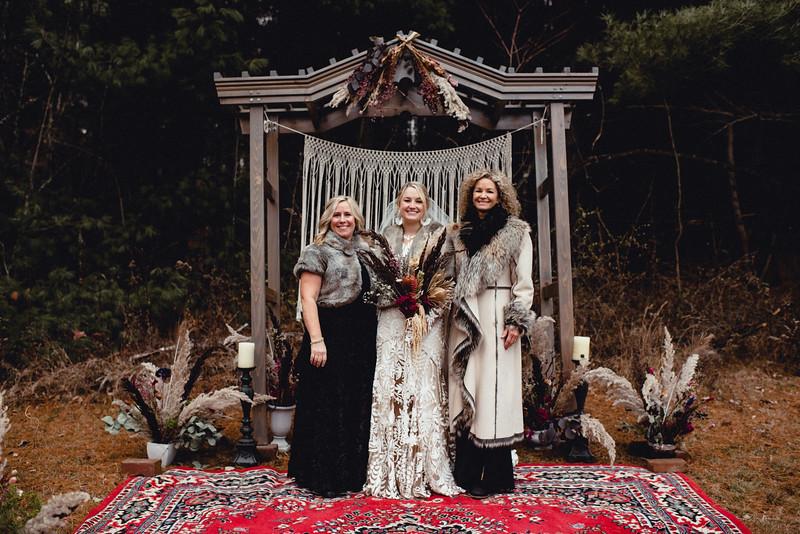 Requiem Images - Luxury Boho Winter Mountain Intimate Wedding - Seven Springs - Laurel Highlands - Blake Holly -1167.jpg