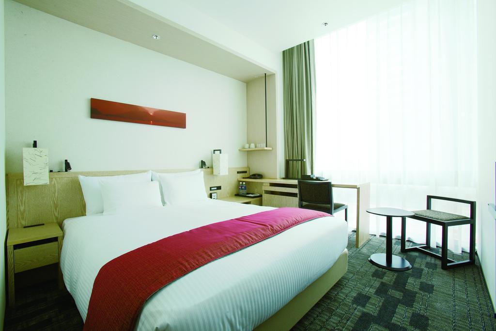 JR Kyushu Hotel Blossom Shinjuku guest room