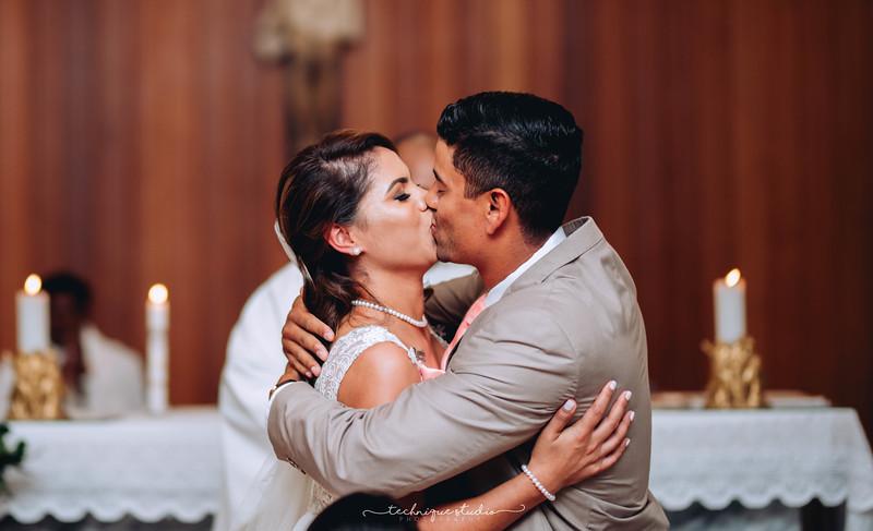 BRETT & CARMEN WEDDING PREVIEWS-64.JPG