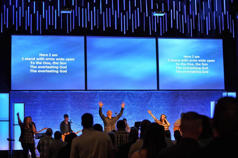 Worship 004.jpg