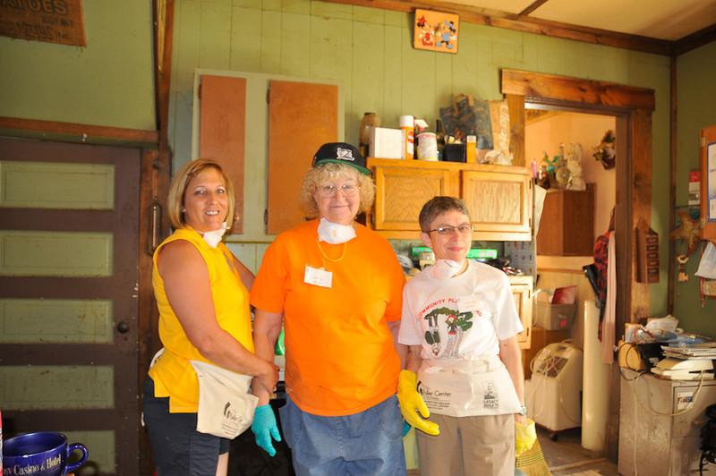 10 09-08  Hard working crew.  mlj