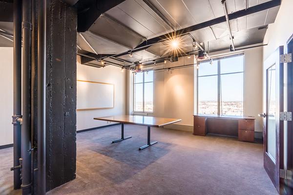 320 Building | 14th Floor & Business Center