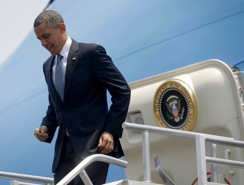 . President Barack Obama leaves Air Force One upon his arrival at Benito Juarez International Airport in Mexico City, Thursday, May 2, 2013. Obama is traveling on a three-day trip to Mexico an Costa Rica. (AP Photo/Pablo Martinez Monsivais)