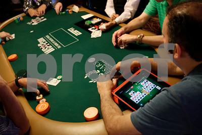 selftaught-computer-program-finds-super-poker-strategy