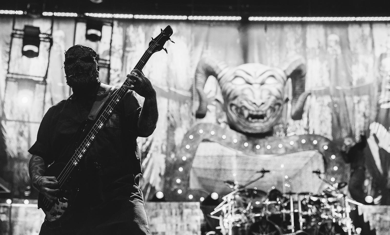 Alessandro Venturella of Slipknot by Adam Elmakias at Knotfest 2015