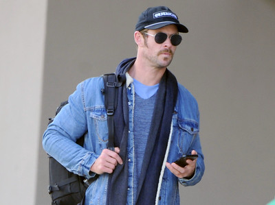 EXC: Chris Hemsworth Fashions Moustache + Goatee!