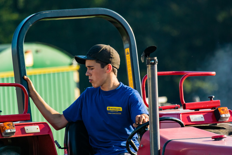 Tractor Pulling 2015-9013.jpg