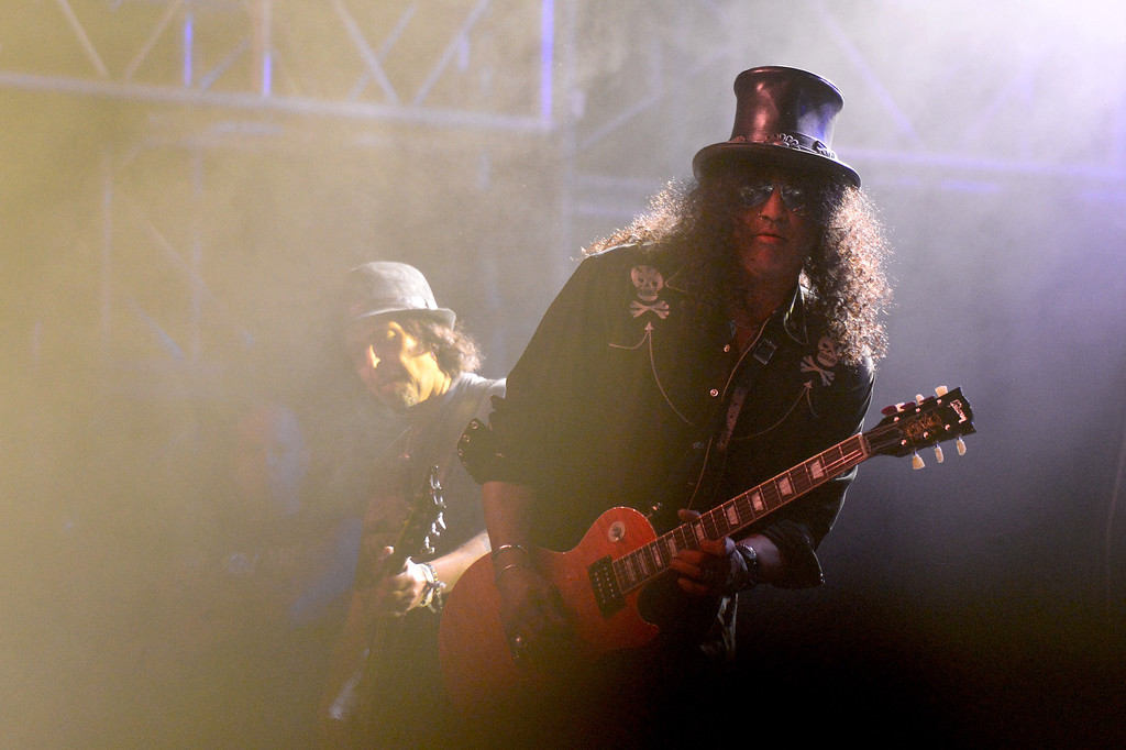 . Slash makes a guest appearance with Motorhead on the Mojave stage Sunday night during the first weekend of the Coachella Valley Music and Arts Festival, April 13, 2014. (Photo by Sarah Reingewirtz/Pasadena Star-News)