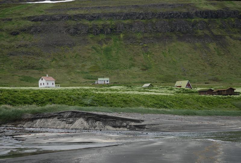Steinhúsið, Ellubær, Jónshús og Fjósatunga