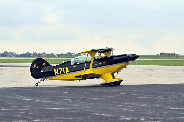 Acrobat Airplanes