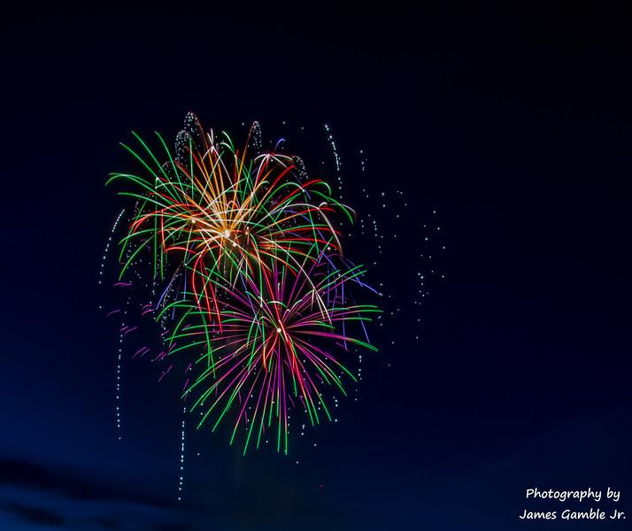 Fourth-of-July-Fireworks-2016-0293.jpg