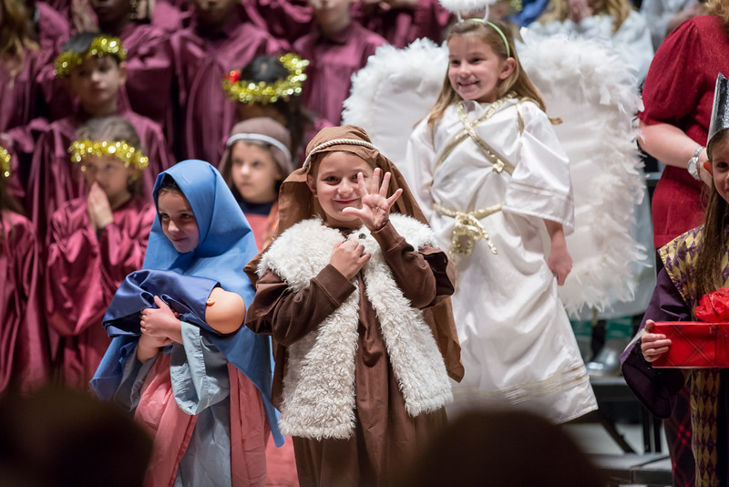1st grade Christmas program (8 of 49).jpg