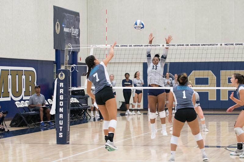 HPU Volleyball-91937.jpg
