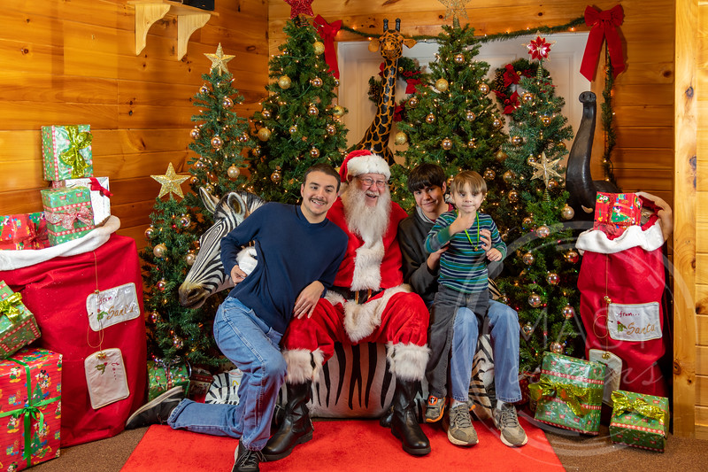 2019-12-01 Santa at the Zoo-7560.jpg