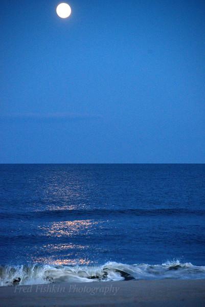 Moon reflection 04_29_18.jpg