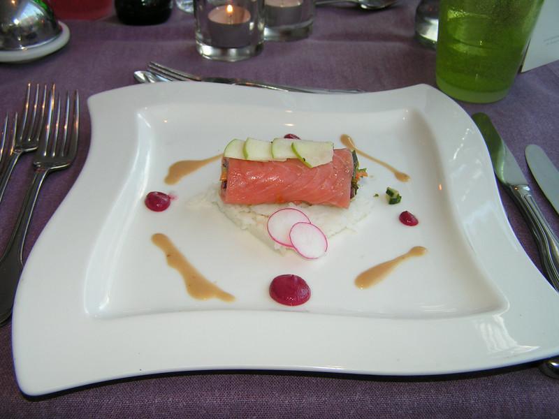 """Gerookte extra zachte zalm op salade van Basmati rijst en Granny Smith appel""  (Markt-menu 2009-08-13)"