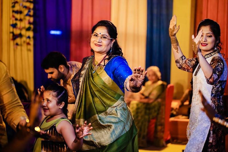 Candid Wedding Photographer Ahmedabad-1-23.jpg