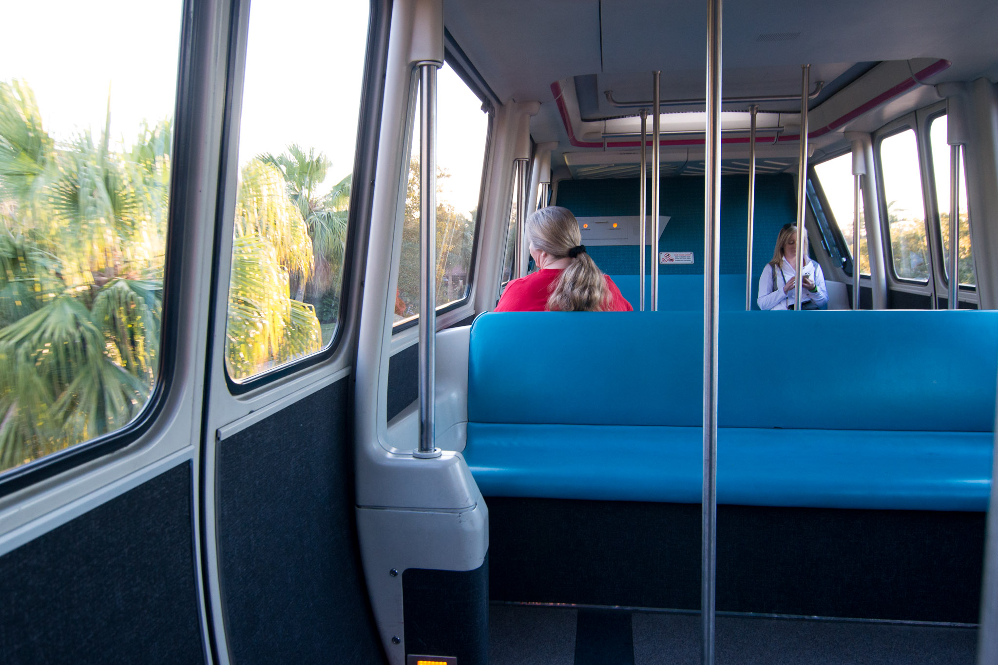 Monorail - Walt Disney World Magic Kingdom