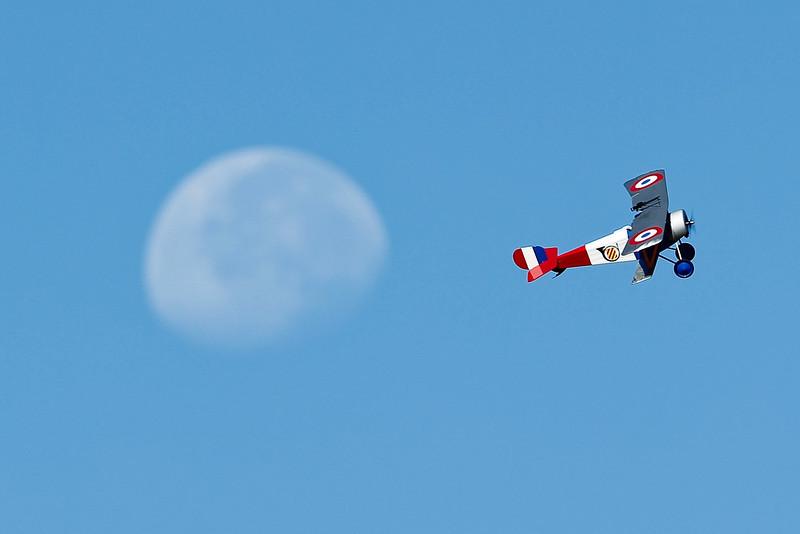 Electrifly_Nieuport17_Moon_57.jpg