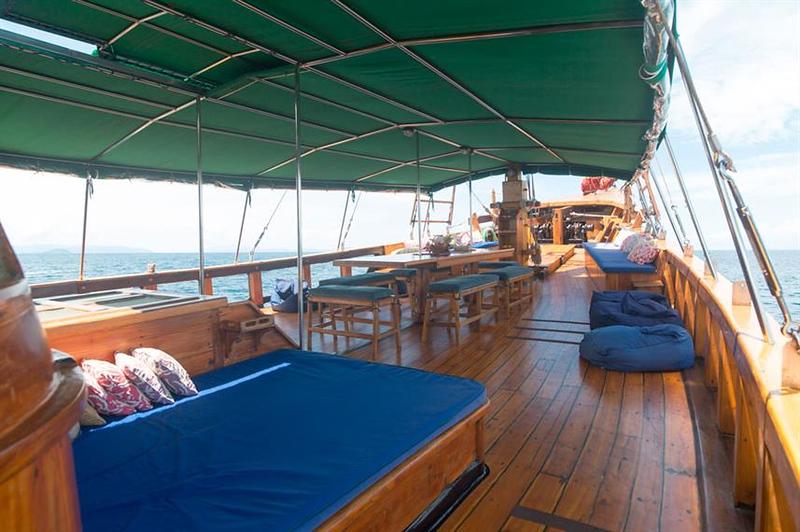 main deck `.jpg