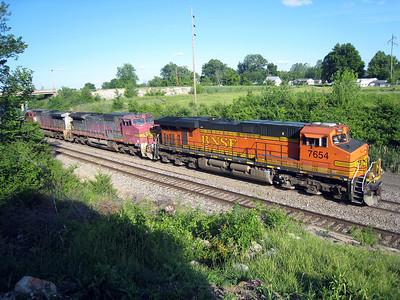 BNSF Main Line Freight Trains at La Plata, MO