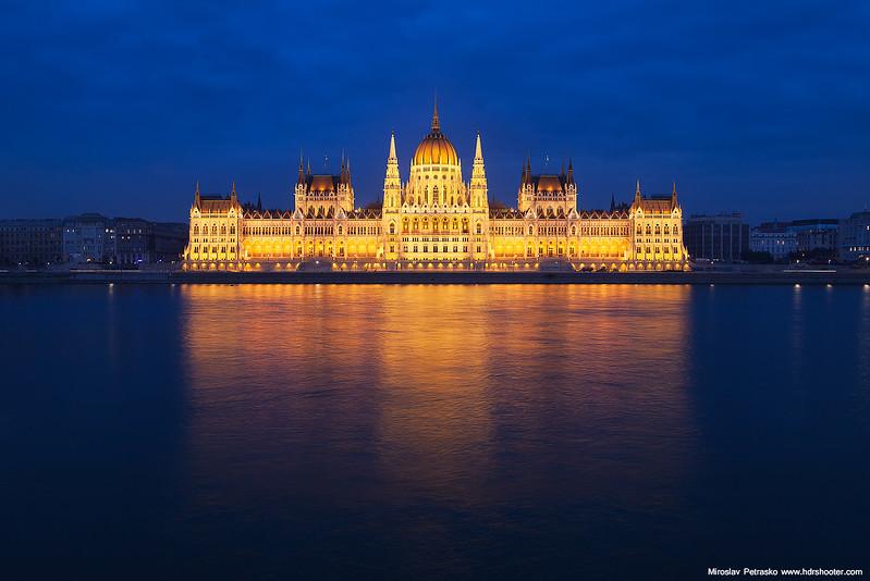 Budapest-IMG_5339-web.jpg