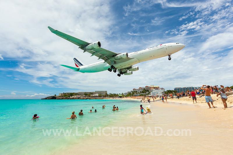 Air France A340-300 - F-GLZN - SXM