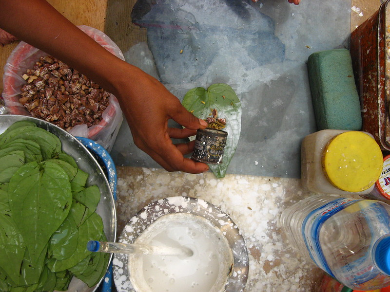 Making a bettle nut mixture to chew
