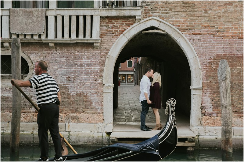 Fotografo Venezia - Elopement in Venice - Honeymoon in Venice - photographer in Venice - Venice honeymoon photographer - Venice photographer - Elopement Venice photographer - 1.jpg