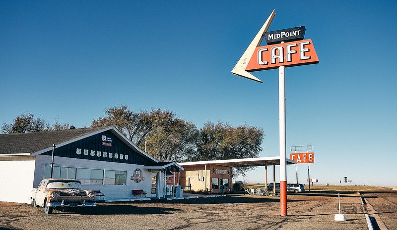 Route 66 - Midpoint Cafe, Adrian, Texas