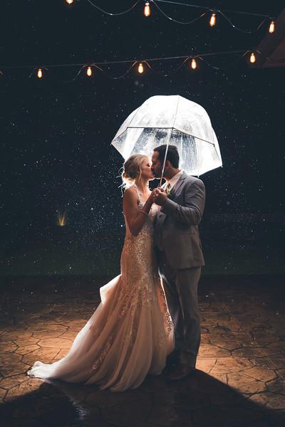 DC Estate Winery Wedding Photographer, South Beloit, IL | Macy & Jamie