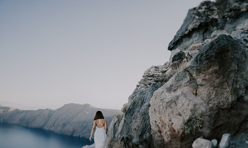 Tu-Nguyen-Destination-Wedding-Photographer-Santorini-Elopement-Alex-Diana-254.jpg