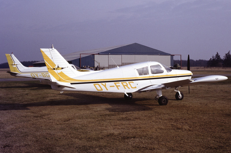 OY-FRC-PiperPA-28-140CherokeeF-Private-EKBI-1991-03-14-DF-37-KBVPCollection.jpg
