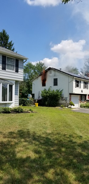8-1-2019 - (Camden County) - GLOUCESTER TWP. - 25 Lamp Post Ln. - All Hands Dwelling w/ Special Calls