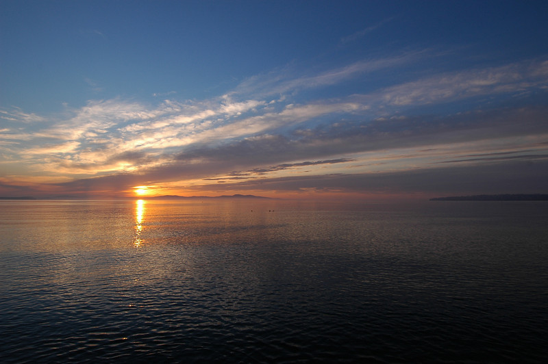 050422 3178 Canada - Victoria - Agate Lane Sunrise _I ~E ~L.JPG