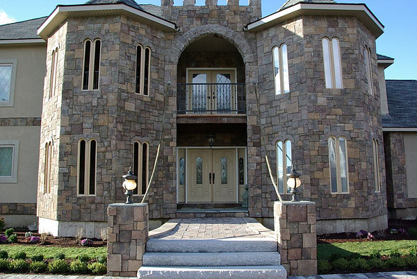 Extreme Makeover: Home Edition – The Castle