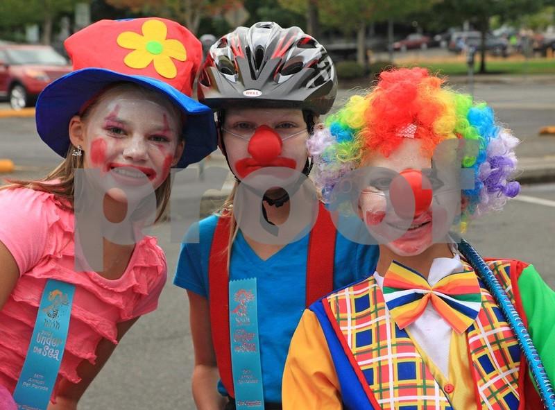 Three clowns 1186c.jpg