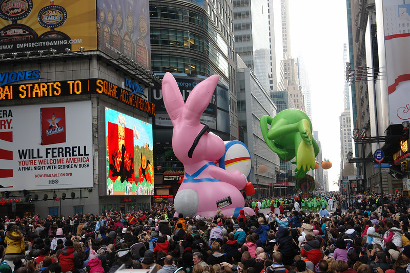 ENERGIZER BUNNY Macy's Thanksgiving Parade 2009 in Manhattan