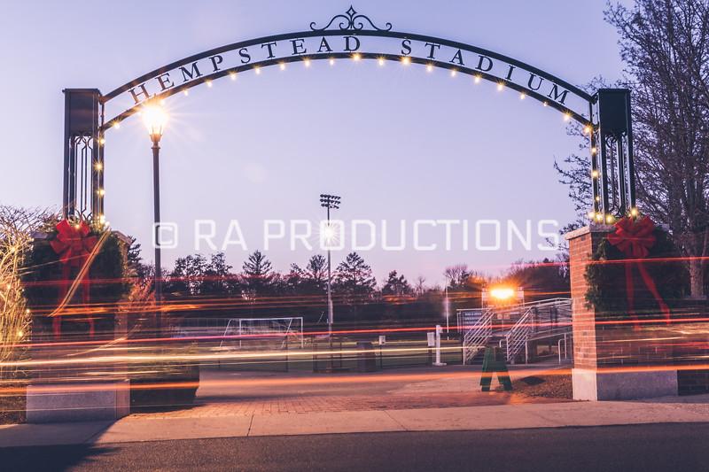 12042018_RAC_Campus-Wreaths-16.jpg