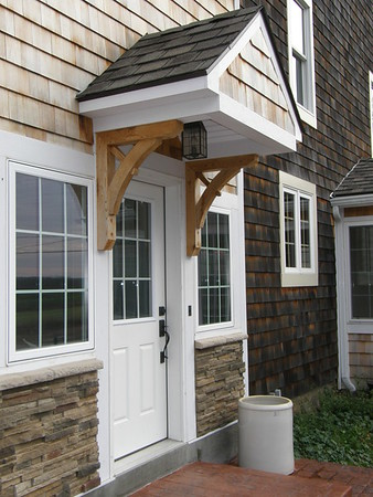 Front Porch with Wood Bracket 13T6