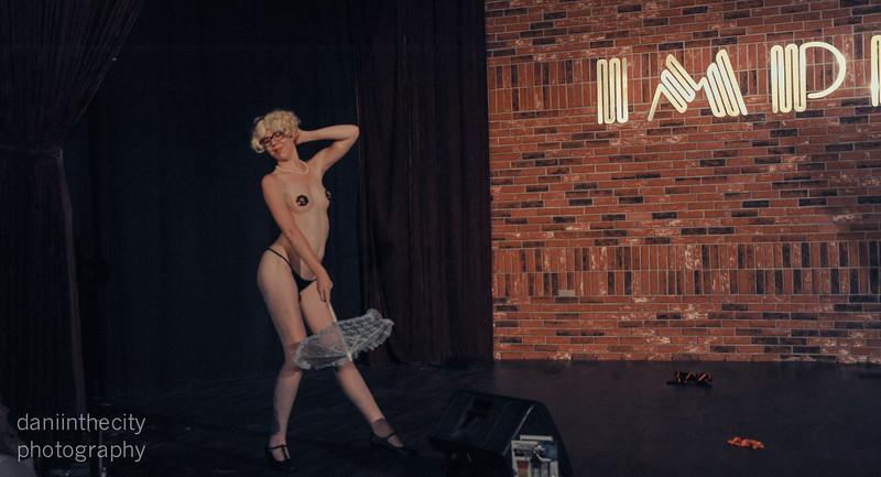 Burlesque (83 of 88).jpg