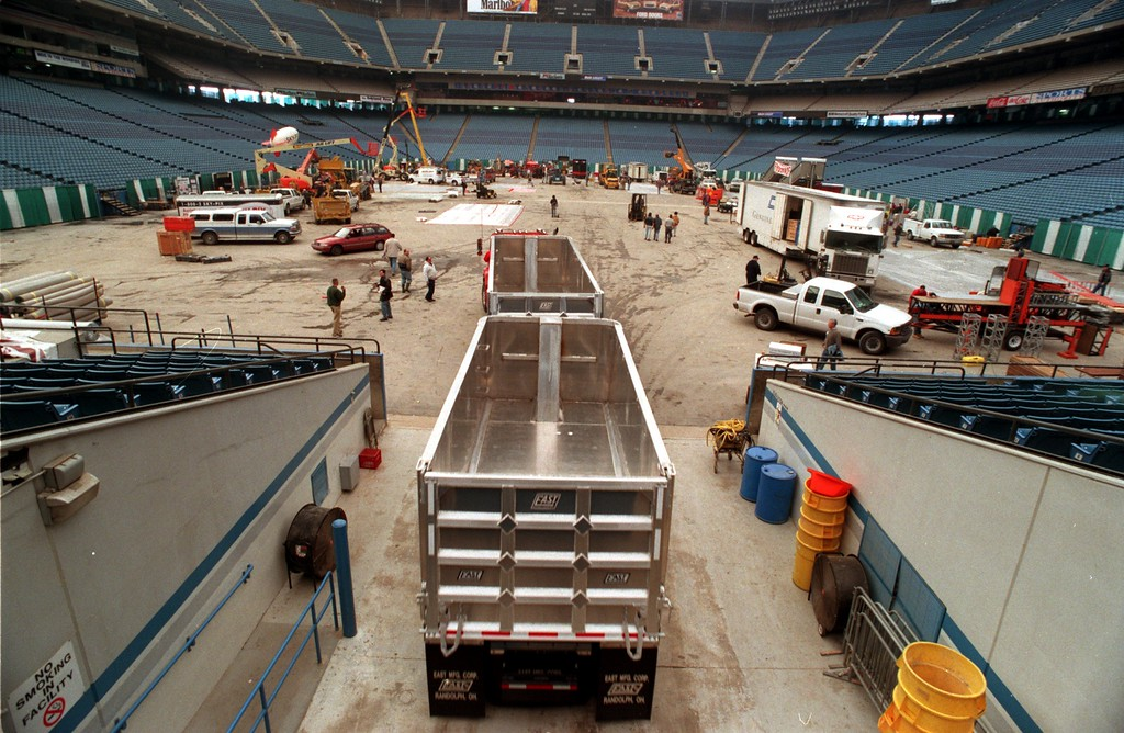 . Construction Association of Michigan trade expo setting up at the Pontiac Silverdome. A semi-truck makes its way into the Silverdome, Monday, part of the preparation for the Trade Show later in the week.