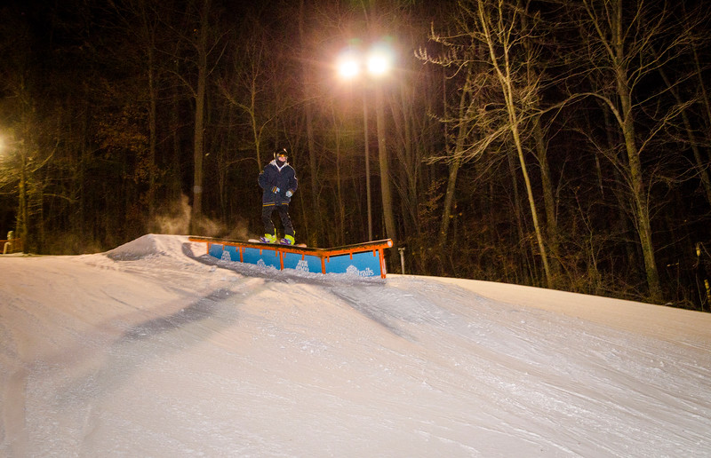 Nighttime-Rail-Jam_Snow-Trails-184.jpg