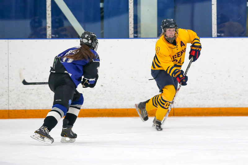 20150129 QWHockeyatUOIT 1077.JPG