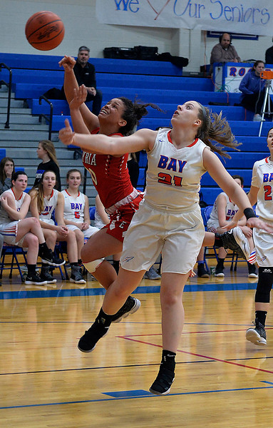 Elyria starts fast but falls to Bay