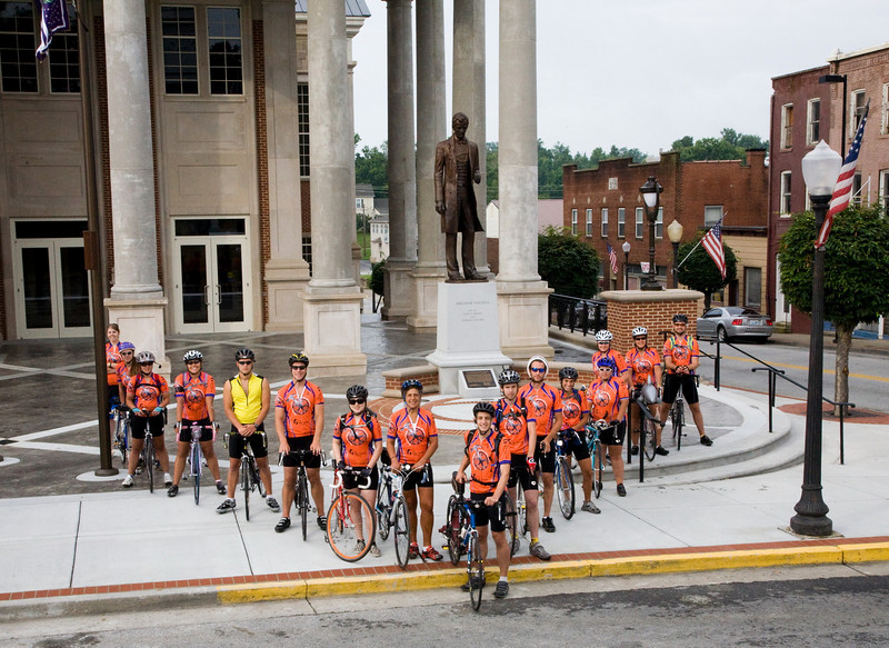 09 07-21 Day 10 - Ride from Louisville to Springfield, Ky.  Eliseo Valdes