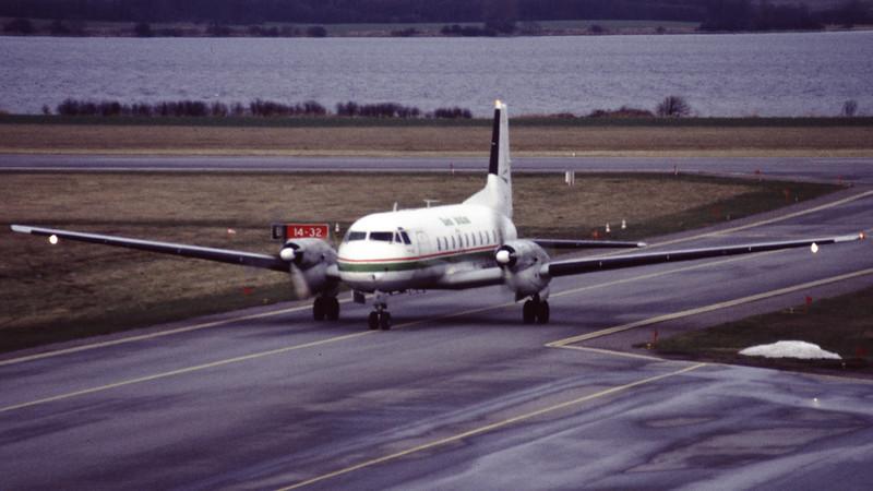 G-ATMI-HawkerSiddeleyHS-748-ReedAviation-EKSB-1999-01-04-FT-15-KBVPCollection.jpg